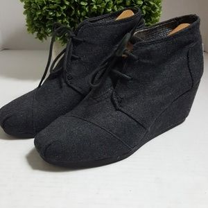 Tom's Desert Wedge gray wool lace up booties